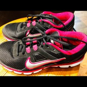Women's Nike Dual fusion sz 9